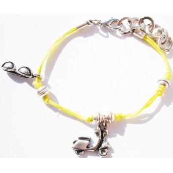 Bracelet enfant coton ciré jaune, pampilles scooter et lunettes de soleil, chaine métal argent