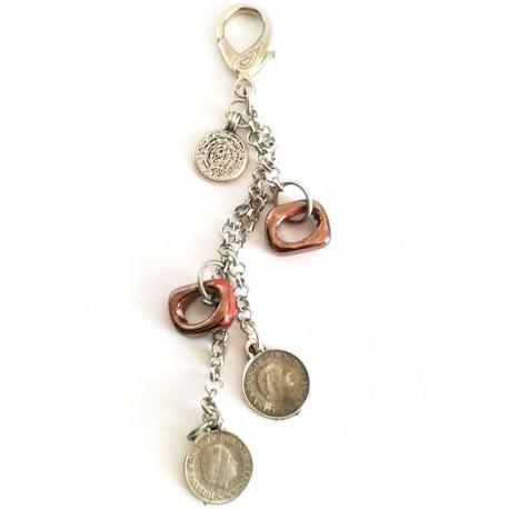 Bijoux de sac , perle céramique rouge carré, pièces  métal argenté