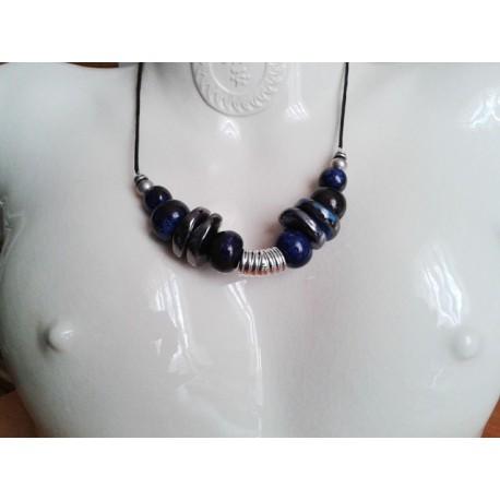 Collier perle céramique bleu ,