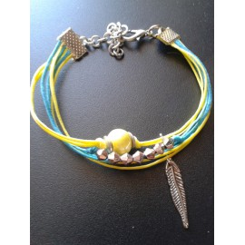 Bracelet perle céramique jaune, lien jaune et bleu, pampille plume, métal argent