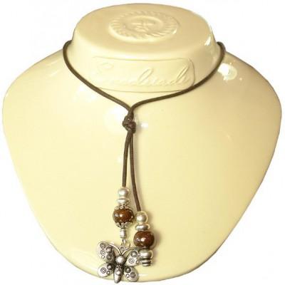 Collier sur cordon marron et perles céramique marron, papillon