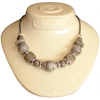Collier en perles céramique grise marbré