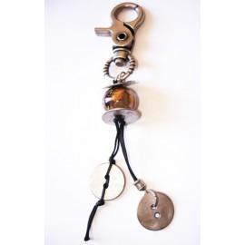 Bijoux de sac , perle céramique orange marbré, bouton métal argenté
